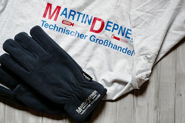 Werbetechnik Textildruck T-Shirt und Handschuhe